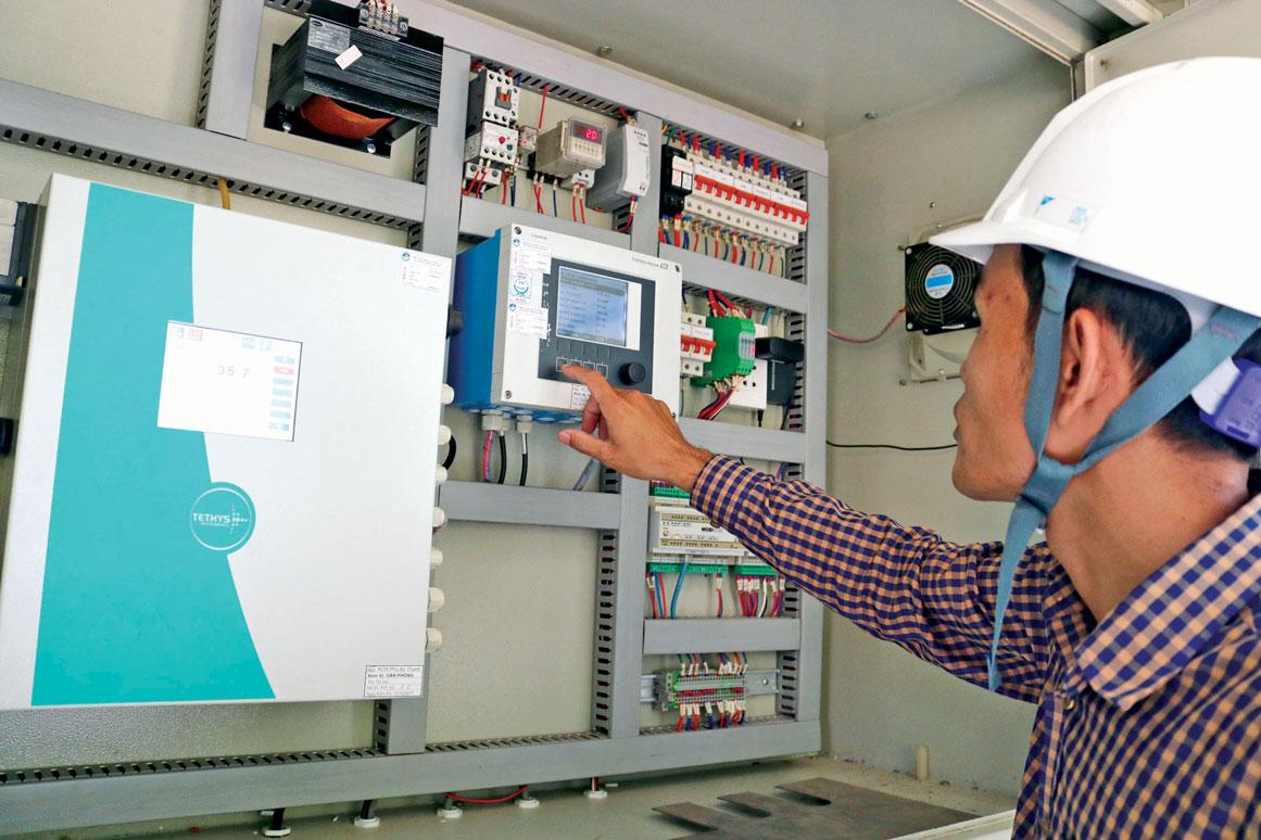 Lắp đặt trạm quan trắc nước thải tự động theo quy định để truyền tải dữ liệu 24/24 về Sở Tài nguyên và Môi trường theo dõi, quản lý