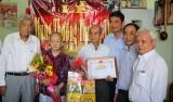 Thăm, chúc thọ người cao tuổi tại huyện Thủ Thừa và TP.Tân An