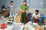 Cần Giuộc: Bắt quả tang 2 đối tượng sản xuất thuốc giả dùng trong nuôi tôm