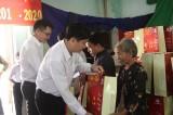Quỹ Thiện Tâm - Tập đoàn Vingroup tặng quà tết cho hộ nghèo tại Long An