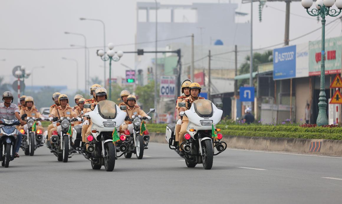 Lực lượng cảnh sát giao thông Công an tỉnh ra quân bảo đảm trật tự, an toàn giao thông