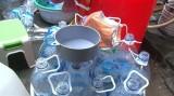 Dùng axít và nước lã để sản xuất giấm ăn tiêu thụ ra thị trường