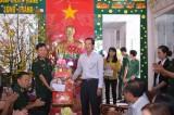 Trưởng ban Tuyên giáo Tỉnh ủy Long An – Đinh Ngọc Lâm chúc tết các lực lượng trên tuyến biên giới Tân Hưng