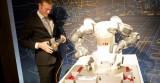Robot pha cà phê ở Diễn đàn Kinh tế Thế giới