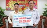 Tiếp nhận 500 triệu đồng chăm lo tết cho người nghèo