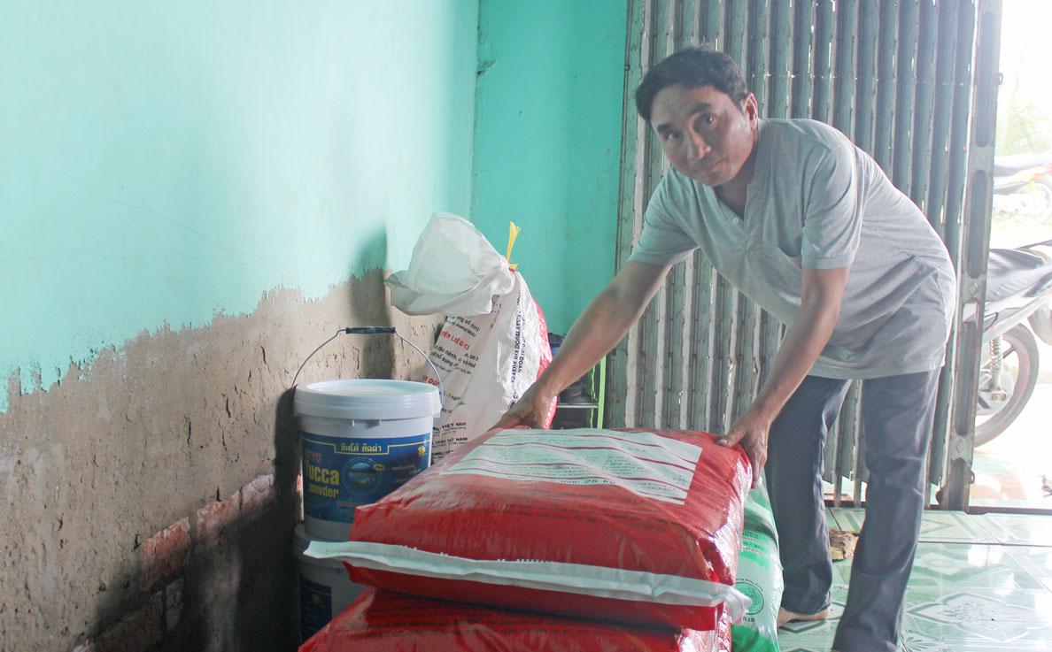 Anh Nguyễn Thanh Nghiệm vươn lên thoát nghèo nhờ số tiền hỗ trợ sinh kế