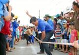 Trò chơi dân gian tại Lễ hội Làm Chay thu hút người dân và du khách