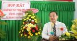 Thăm, chúc mừng tập thể y, bác sĩ Trung tâm Y tế huyện Vĩnh Hưng