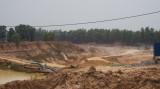 Giếng khoan của người dân cạn nước vì doanh nghiệp khai thác hầm đất?