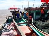 Bạc Liêu: Cứu hộ thành công tàu cá cùng 4 ngư dân gặp nạn trên biển