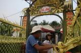 Cổng cưới lá dừa - chút thôn quê giữa bộn bề cuộc sống