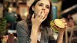 Tại sao một số người luôn gầy dù ăn rất nhiều?