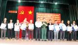 Đại diện hơn 40 cơ quan báo Đảng thăm Trung đoàn 720 ở tỉnh Đắk Nông