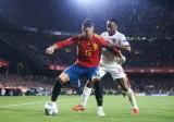 Tây Ban Nha - Na Uy: 'Cuồng phong đỏ' mới mẻ ra mắt tại Mestalla