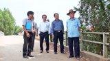 Nguyên Chủ tịch nước - Trương Tấn Sang khảo sát xây cầu nông thôn tại Đức Hòa