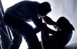 Tạm giữ hình sự người cha hiếp dâm con gái ruột