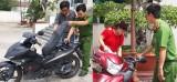 Trao trả xe môtô cho bị hại trong các vụ trộm