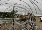 Thất bại của Tổng thống Trump trong ngăn dòng người di cư đổ về Mỹ