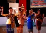 Thủ tướng Nguyễn Xuân Phúc chúc Tết lãnh đạo Lào và Campuchia
