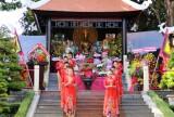 Người dân TP.HCM nô nức dự Lễ hội Đền Hùng