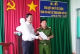 Ban Chỉ đạo 389 tỉnh Long An thưởng nóng cho Công an huyện Đức Huệ