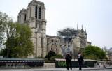 Pháp dựng một thánh đường tạm thời ở sân trước Nhà thờ Đức Bà