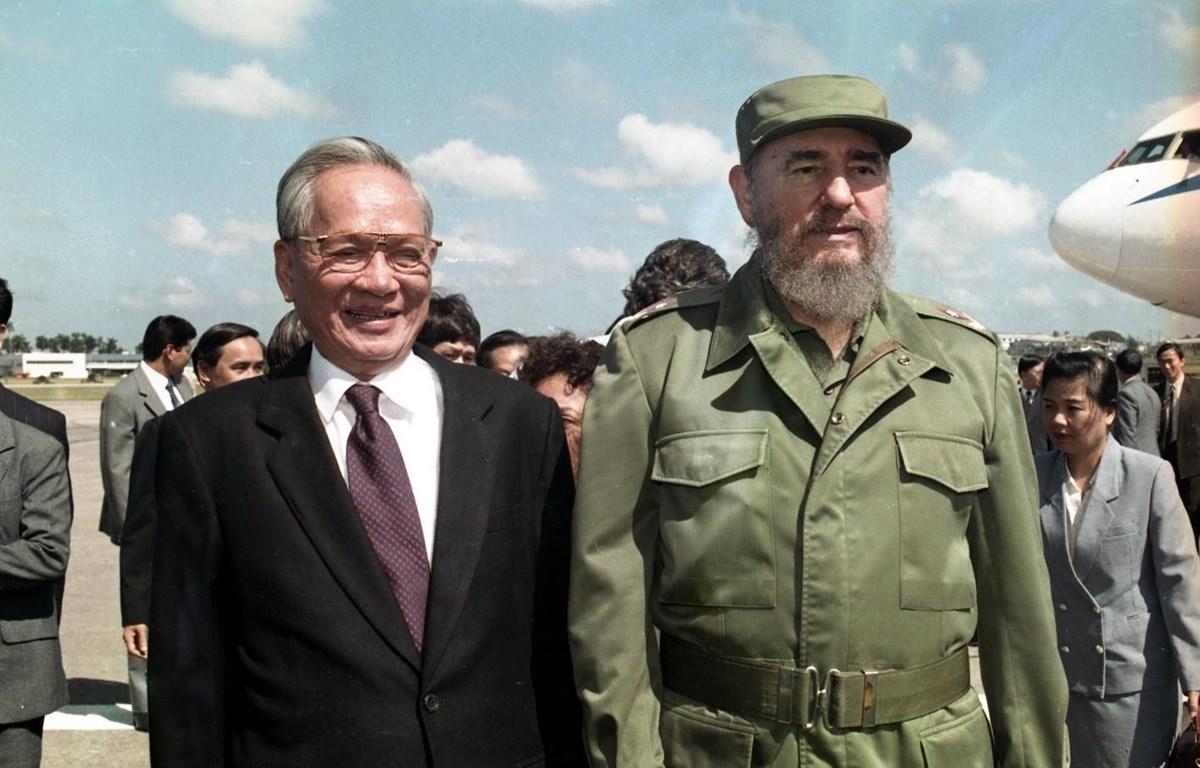 Chủ tịch nước Lê Đức Anh và Chủ tịch Cuba Fidel Castro trong chuyến thăm hữu nghị chính thức Cuba, từ ngày 12-17/10/1995. (Ảnh: Cao Phong/TTXVN)