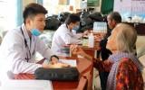 200 hộ nghèo, khó khăn được tặng quà, khám bệnh, phát thuốc miễn phí