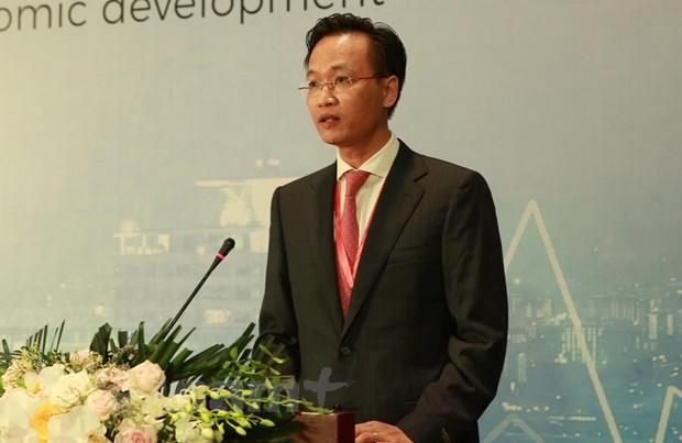 Đồng chí Nguyễn Hữu Nghĩa, Phó Trưởng Ban Kinh tế Trung ương phát biểu tại hội thảo. (Ảnh: BKT/Vietnam+)