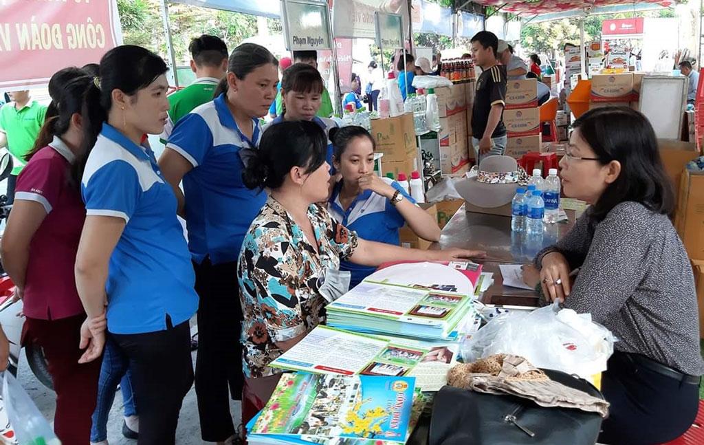 Khu Công nghiệp Cầu Tràm tổ chức chương trình Phúc lợi đoàn viên và tư vấn pháp luật cho công nhân, lao động trong Tháng Công nhân