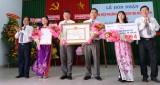 Khánh Hậu đón nhận danh hiệu phường đạt chuẩn văn minh đô thị