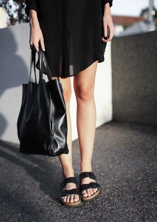 Những chiếc túi đơn giản hoặc ba lô là lựa chọn tuyệt vời.