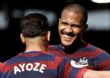 """Newcastle """"biến hình"""" với 350 triệu bảng từ tỉ phú UAE?"""