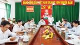 Tiếp tục thực hiện Chỉ thị 05-CT/TW   của  Bộ Chính trị gắn với  Nghị quyết Trung ương 4 và các quy  định của Đảng  về nêu gương