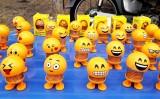 """Thú nhún Emoji trào lưu mới """"gây sốt"""" trong giới trẻ"""