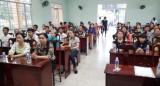 Liên đoàn Lao động huyện Bến Lức: Tăng cường tuyên truyền, giáo dục pháp luật trong công nhân, lao động