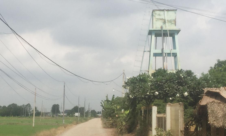 Giếng nước tư nhân của ông Trà Minh Tấn hiện cung cấp cho 600 hộ dân thuộc các ấp trên địa bàn xã Mỹ Lệ và một phần ấp 5, xã Tân Trạch