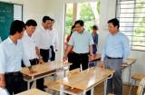 Phó Chủ tịch UBND tỉnh - Phạm Tấn Hòa kiểm tra công tác chuẩn bị kỳ thi THPT quốc gia tại huyện Cần Đước