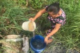 Tân Trạch: Hàng chục hộ dân gặp khó vì thiếu nước sinh hoạt