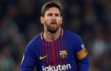 Messi vượt Ronaldo trở thành VĐV có thu nhập cao nhất thế giới
