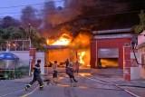 Đức Hòa: Cháy lớn, nhà xưởng một công ty bị thiêu rụi