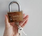 Cảnh giác với chiêu giả danh nhân viên điện lực lừa bán ổ khóa