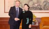 Chủ tịch Quốc hội tiếp các doanh nghiệp Trung Quốc