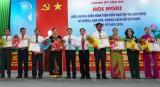 Đảng bộ xã Lợi Bình Nhơn thi đua làm theo lời Bác