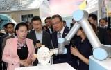 Chủ tịch Quốc hội thăm Trung tâm triển lãm Trung Quan Thôn