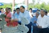 Thủ tướng dâng hương tưởng niệm các Anh hùng liệt sỹ tại Quảng Nam