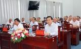 Long An thông tin tình hình kinh tế - xã hội đến nguyên lãnh đạo tỉnh