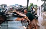 Cà Mau: Dông lốc khiến một người tử vong, 27 nhà bị sập và tốc mái