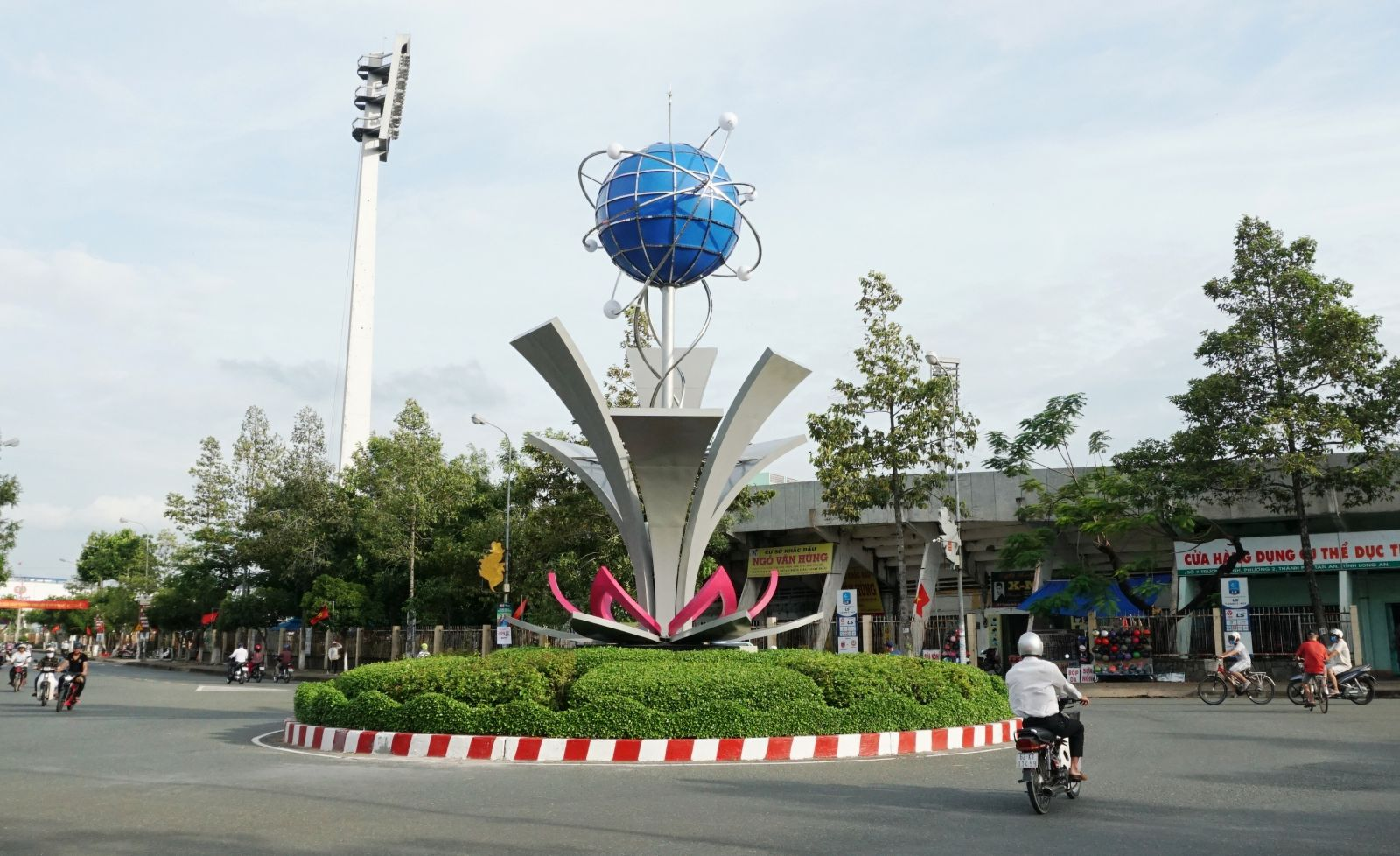 The Crystal Ball work with LED lighting at stadium roundabout