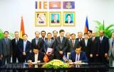 Việt Nam - Campuchia ký biên bản định hướng hợp tác 28 lĩnh vực